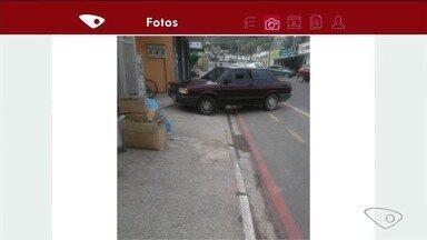 Sem noção: motorista deixa carro em calçada de Venda Nova do Imigrante, no ES - Infração é considerada grave.