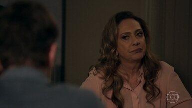 Nádia se irrita com Raquel por causa do jantar - Diego a confronta e reclama de suas atitudes racistas. Bruno e Raquel se beijam