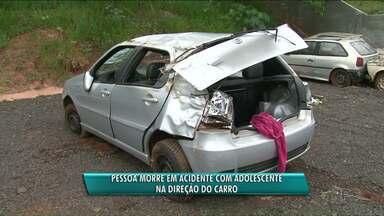 Adolescente de 15 anos morre em acidente em Umuarama - Quem dirigia o carro era outro adolescente de 17 anos