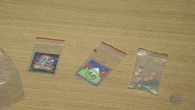 Dupla é presa por esquema de venda de drogas pela internet em Ribeirão Preto - Suspeitos já eram investigados por usar aplicativos de celular e redes sociais para o tráfico.