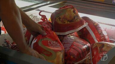 Supermercados se antecipam e iniciam vendas de produtos para a ceia de natal - Vendas seguem a tradição das festas de fim de ano. Muitas pessoas se antecipam para garantir os melhores produtos e preços.