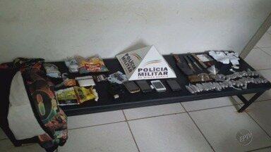 Agentes encontram drogas, armas e celulares com 14 detentos do presídio de Alfenas (MG) - Agentes encontram drogas, armas e celulares com 14 detentos do presídio de Alfenas (MG)