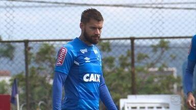 Recuperado de dores no joelho, Rafael Sobis volta a ser relacionado para jogo com Flamengo - Com Arrascaeta à serviço da seleção uruguaia, Sobis deve ser seu substituto nesta quarta
