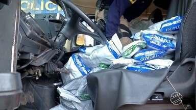 Motorista é preso em MS por contrabando de 900 kg de agrotóxicos do Paraguai - Produto estava na carroceria de um caminhão. Suspeito havia sido contratado, segundo a polícia, para levar carga de MS a MT.