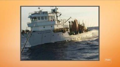Marinha continua buscas por tripulantes que desapareceram após naufrágio - Marinha continua buscas por tripulantes que desapareceram após naufrágio