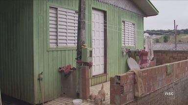 Marido suspeito de matar mulher a facadas em Chapecó é preso no RS - Marido suspeito de matar mulher a facadas em Chapecó é preso no RS