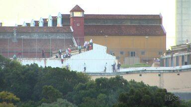 Depen confirma dois presos mortos em rebelião na Penitenciária Estadual de Cascavel - Motim já dura mais de 20 horas.