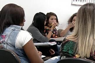 Estudantes se preparam para segundo dia de provas do Enem - Cerca de 50 mil estudantes do Alto Tietê devem fazer a prova.