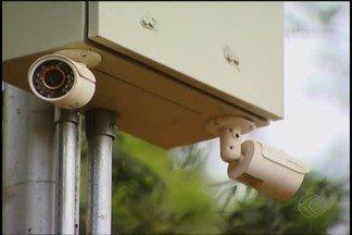 Parque do Sabiá de Uberlândia passa a contar com monitoramento por câmeras - Contudo, mesmo com os equipamentos instalados, serviço ainda não foi concluído. Segundo a Futel, outra parte do sistema depende da instalação de internet que ocorrerá nos próximos dias.