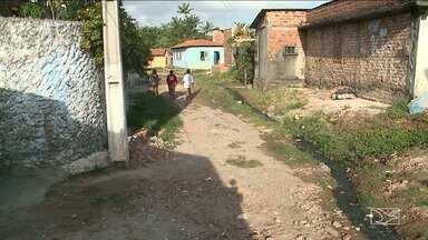 Moradores enfrentam problemas de infraestrutura em São Luís - Moradores da Vila Mauro Fecury II, localizada na área Itaqui Bacanga, estão insatisfeitos com a falta de pavimentação no local.
