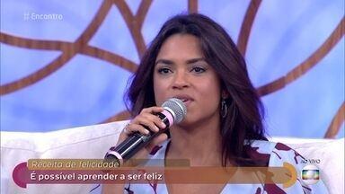 Lucy Alves comemora indicação de 'Velho Chico' ao Emmy Internacional - Novela foi o primeiro trabalho da cantora como atriz na televisão