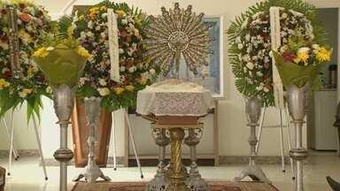 Corpo de Maria de Lourdes Archer Pinto é velado em Manaus - Advogada faleceu na noite de segunda-feira (13) em um hospital particular na capital.
