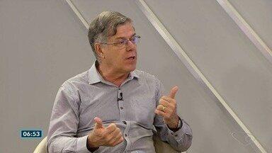 Médido alergista do ES fala sobre reações incomuns - José Carlos Perini falou sobre alergia à água e ao sol.