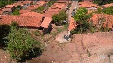 População cobra contenção de barranco no bairro Satélite - População cobra contenção de barranco no bairro Satélite