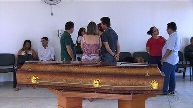 Corpo da pediatra Maria Jaíra Dias Tavares é sepultado - Corpo da pediatra Maria Jaíra Dias Tavares é sepultado.