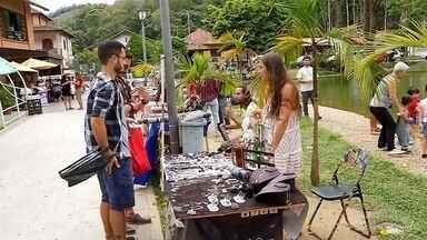 Exposição dos artesãos em Nova Friburgo, RJ, tem proposta de ordenamento; confira - Assista a seguir.
