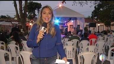 Roberto Menescal fará show gratuito em Cabo Frio, RJ, na noite desta quarta-feira - Assista a seguir.