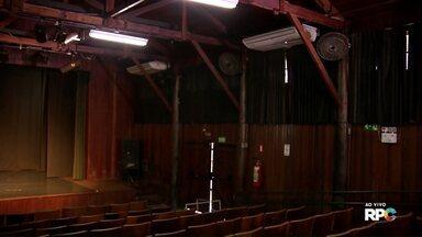 Teatros de Maringá devem passar ser revitalizados - A prefeitura também se comprometeu a colocar os aparelhos de ar condicionado para funcionar em janeiro de 2018.