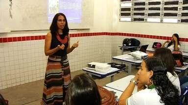 Escola estadual recebe visita de especialistas sobre doenças sexualmente transmissíveis - Saiba mais em g1.com.br/ce