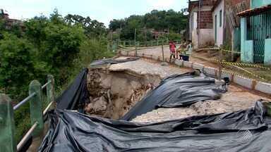 Encosta desliza sobre casas em Ilhéus; veja na previsão do tempo - Confira a previsão em todo o estado.