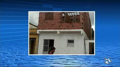 Homem de 55 anos morre após ser atingido por marquise em Água Preta - Pedreiro que estava em cima de telhado na hora do acidente fica ferido.