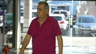 Jorge Picciani tem prisão decretada e se entrega à PF no Rio - Ele e outros dois deputados são suspeitos de receber propina. Peemedebista preside a Assembleia Legislativa pela sexta vez.