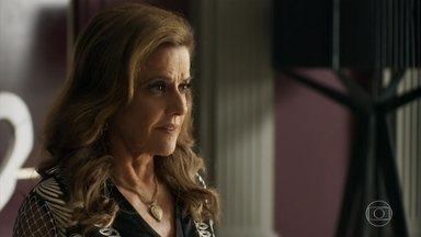 Sophia orienta Lívia sobre como executar seu plano de separar Gael e Clara - A vilã garante que sabe como fazer o filho perder a cabeça e afirma que vai mandar a nora para longe
