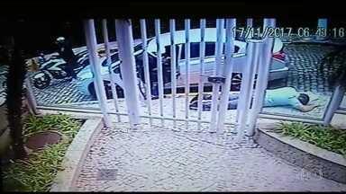Motoqueiros assaltantes fazem vítimas na Lagoa - Dois assaltos e uma tentativa de assalto foram flagrados pelas câmeras de segurança.