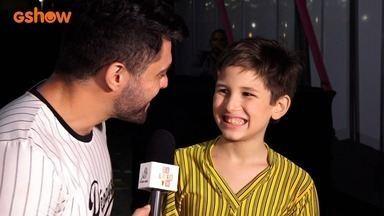 Mini Stars: Veja como foi a apresentação de Caio Facchini na chegada do Papai Noel - Bastidores da superprodução com o vencedor do Mini Stars.