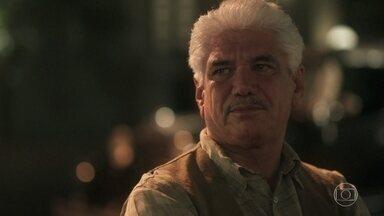 Geraldo lamenta a suposta morte de Inácio - O comerciante não consegue se conformar