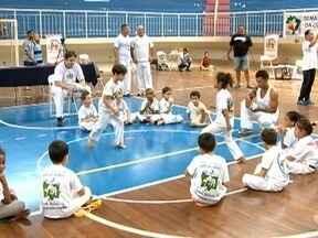 Presidente Prudente sedia campeonato interestadual de capoeira - Evento foi no Ginásio Municipal de Esportes.