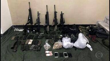 Exército apreende cinco fuzis e seis granadas com traficantes do Caju - Dois homens morreram no confronto. Outros dois suspeitos morreram ontem em tiroteio com a Polícia Militar.