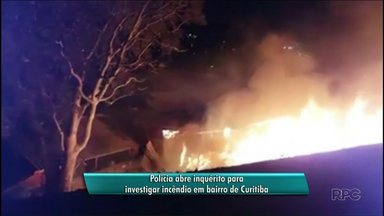 Polícia vai investigar incêndio que deixou 56 pessoas desalojadas - O incêndio destruiu quatorze casas.