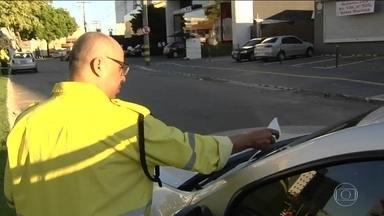 Acesso ao nome do agente de trânsito que aplicou multa gera polêmica - Resolução do Contran determina que o motorista multado pode verificar na internet o nome do agente de trânsito que registrou a infração.
