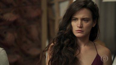 Clara fica confusa com a proposta de Sophia - Ela fala sobre as esmeraldas e a mãe de Gael despista dizendo que ninguém pode afirmar que as pedras estão mesmo em suas terras