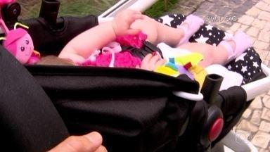 Mulher registra o sequestro da filha e é presa por farsa para enganar marido - Mizia apresentava bebês de duas mães, do Pará e de Goiás, como seus. Polícia investiga se elas recebiam dinheiro pelo 'empréstimo' das filhas.