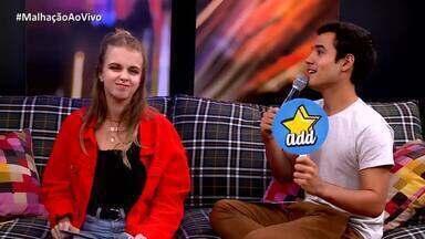 Isabella Scherer e Bruno Gadiol brincam de 'Beija, Adiciona ou Bloqueia' - Atores fazem escolha em cima de personagens de novelas da Globo