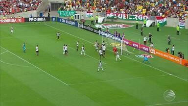 Fim de semana é marcado por resultados ruins para Bahia e Vitória - Vitória empatou com o Cruzeiro, enquanto o Bahia foi derrotado pelo Sport.
