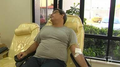 Hemocentros de todo o Brasil realizam campanha convidando novos doadores de sangue - A meta do hemocentro regional é captar 200 bolsas esta semana.