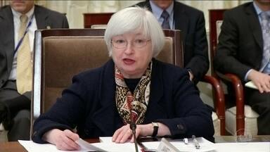 Primeira mulher a chefiar o banco central americano assume em fevereiro - Janet Yellen foi indicada por Donald Trump. Em fevereiro de 2018, o presidente do FED vai deixar a instituição assim que a sua sucessora tomar posse.