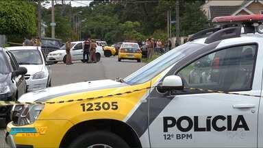 Bandidos invadem uma casa e morrem em confronto com policiais - Foi em Santa Felicidade, em Curitiba.