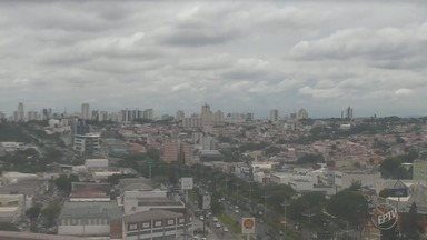 Temperaturas amenas e possibilidade de chuva: confira a previsão do tempo para a região - Em Campinas (SP), máxima pode chegar aos 28ºC nesta terça-feira.