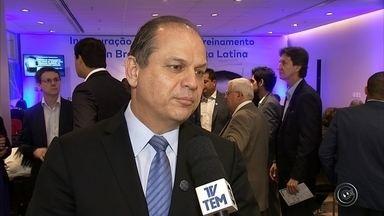 Ministro da Saúde fala sobre a construção da casamata na Santa Casa de Sorocaba - O ministro da Saúde, Ricardo Barros, esteve em Jundiaí (SP) e falou sobre a construção da casamata na Santa Casa de Sorocaba (SP).