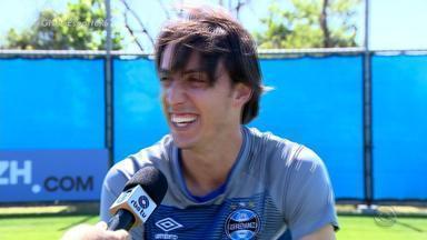 Capitão em 2017, Geromel se diz preparado para conquistar Libertadores com o Grêmio - Zagueiro salienta que espírito do grupo é forte e tem vários líderes.