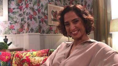 Camila Pitanga fala das surpresas no palco do 'Adnight Show' - Nos bastidores do programa a atriz bate um papo exclusivo!