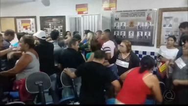 Moradores de Esperança protestam contra projeto que terceiriza serviços públicos da cidade - Protesto foi realizado ontem e Polícia teve que intervir.