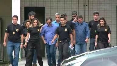 Ministério Público vai investigar diretor de cadeia que soltou deputados sem alvará - Edson Albertassi, Jorge Picciani e Paulo Mello passaram a segunda noite na cadeia.