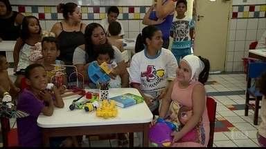 Voluntários levam alegria para crianças internadas no HR - Grupo foi fundado há 20 anos e desenvolve trabalho com crianças e parentes.