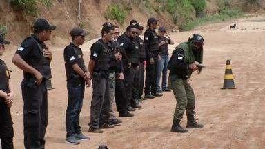 Policias civis fazem treinamento para aperfeiçoar técnicas de segurança - Policias civis fazem treinamento para aperfeiçoar técnicas de segurança