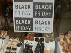Comerciantes e consumidores esperam por boas vendas e promoções na Black Friday - Dia de promoções movimento vários seguimentos do comércio.
